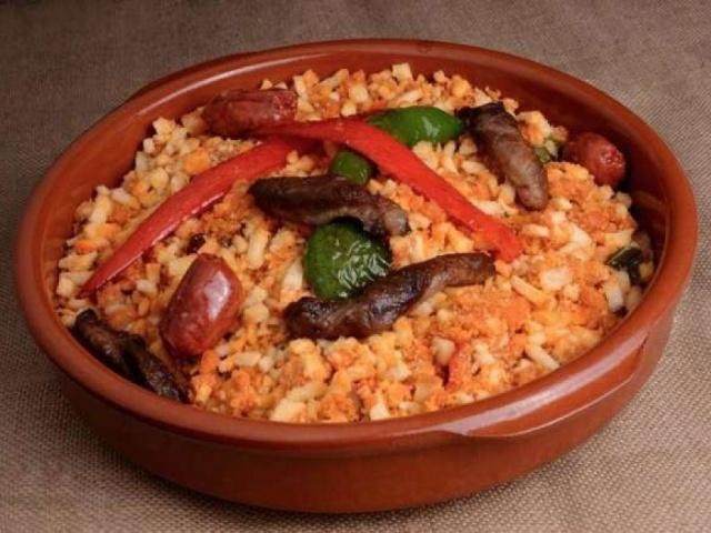 Cáceres ofrece una degustación gratuita de migas y cava en la Plaza Mayor el día 21 de mayo